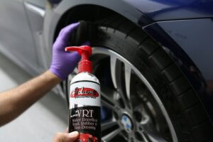 How to use tire shine