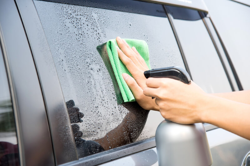 How To Clean Car Windows And Auto Glass