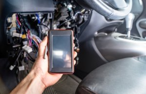 Check the condition of the catalytic converter by OBD2 scanner